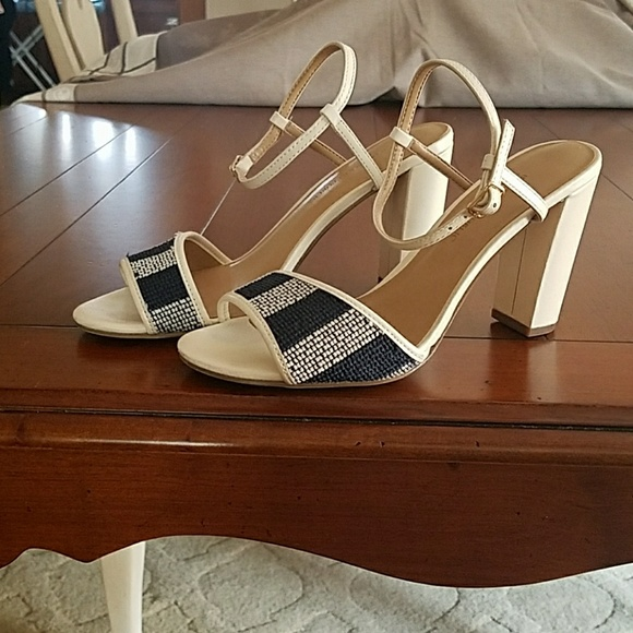 984341e4c2 Banana Republic Shoes | Leather Block Heels | Poshmark